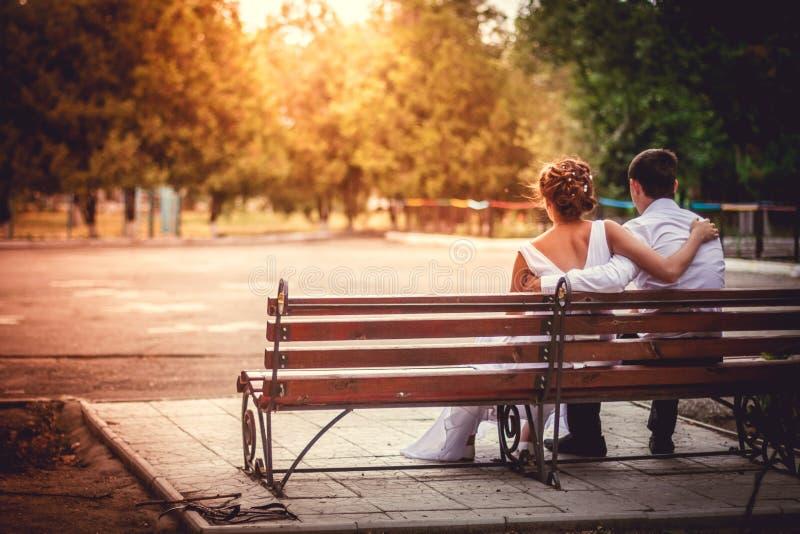 Penhascos do por do sol romances fotografia de stock royalty free