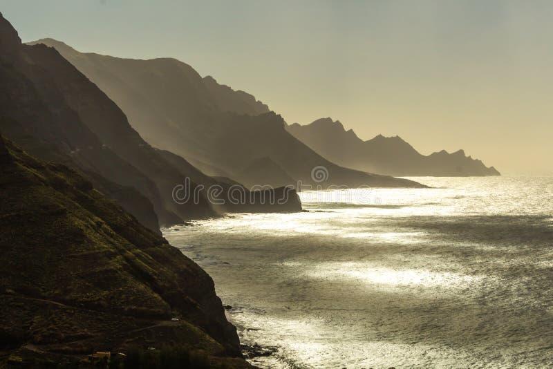 Penhascos e montes de Gran Canaria fotos de stock