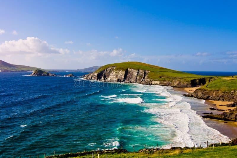 Penhascos na península do Dingle foto de stock royalty free