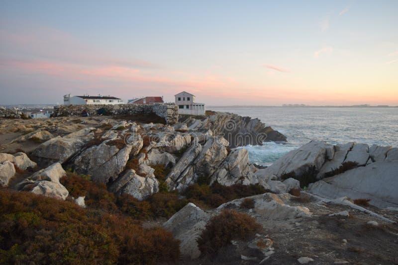 Peniche - Sonne, Brandung des Strandes e lizenzfreie stockfotos