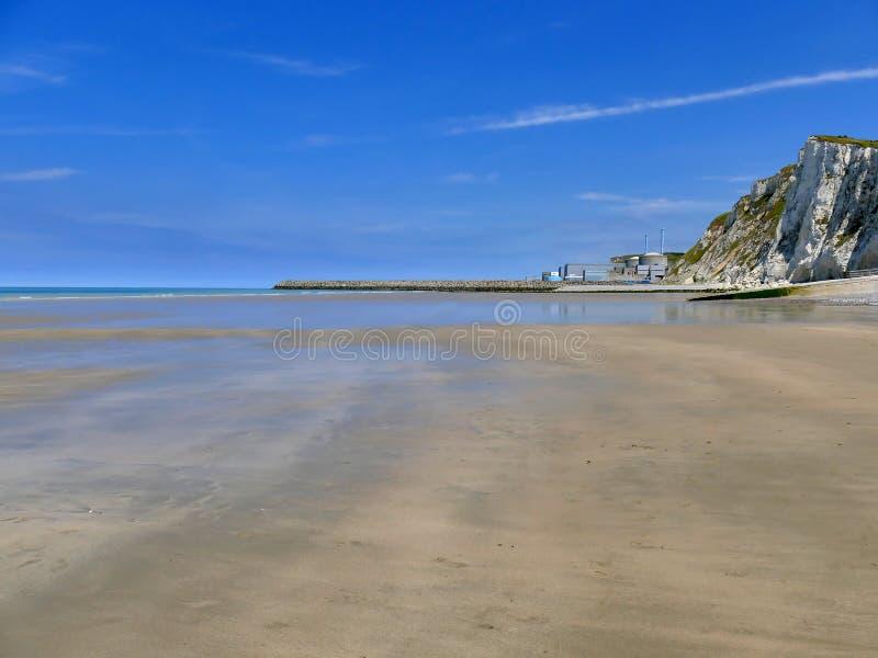 PENLY FRANCJA, MAJ, - 31, 2019: Penly elektrownia jądrowa lokalizować przy wontonem Morski Normandy na Angielskiego kanału wybrze obrazy royalty free