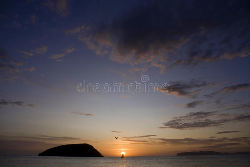 Penmon Punkt-Sonnenaufgang lizenzfreie stockfotos