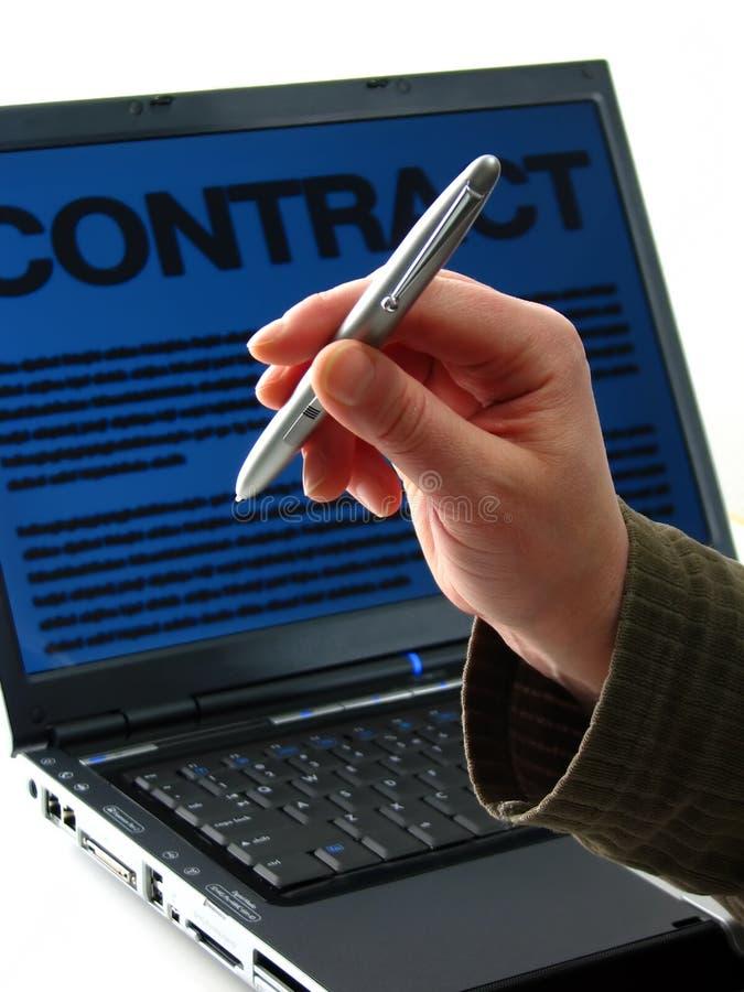 Penna, computer portatile, contratto immagini stock