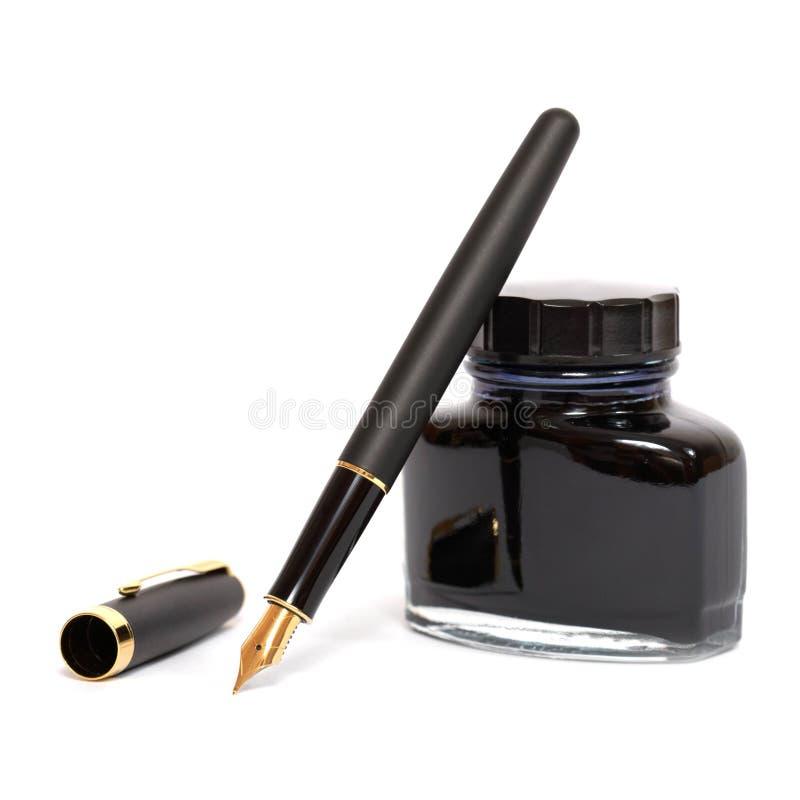 Penna di fontana con la bottiglia di inchiostro fotografia stock libera da diritti