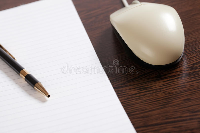 penna för datormuspapper arkivbilder