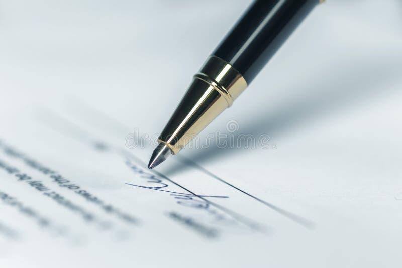Penna handstil, bokstav royaltyfria bilder