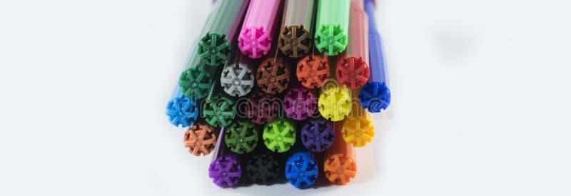 Penne di indicatore di colori isolate su fondo bianco fotografie stock libere da diritti
