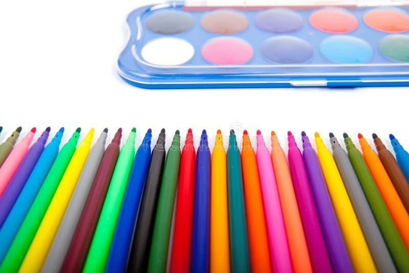 Penne di indicatore di colori isolate su fondo bianco fotografie stock