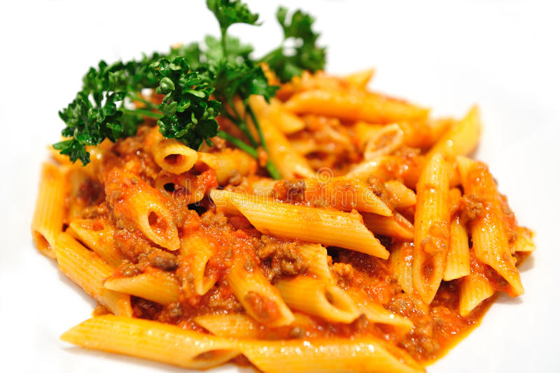 Penne Pasta com molho da carne fotografia de stock royalty free