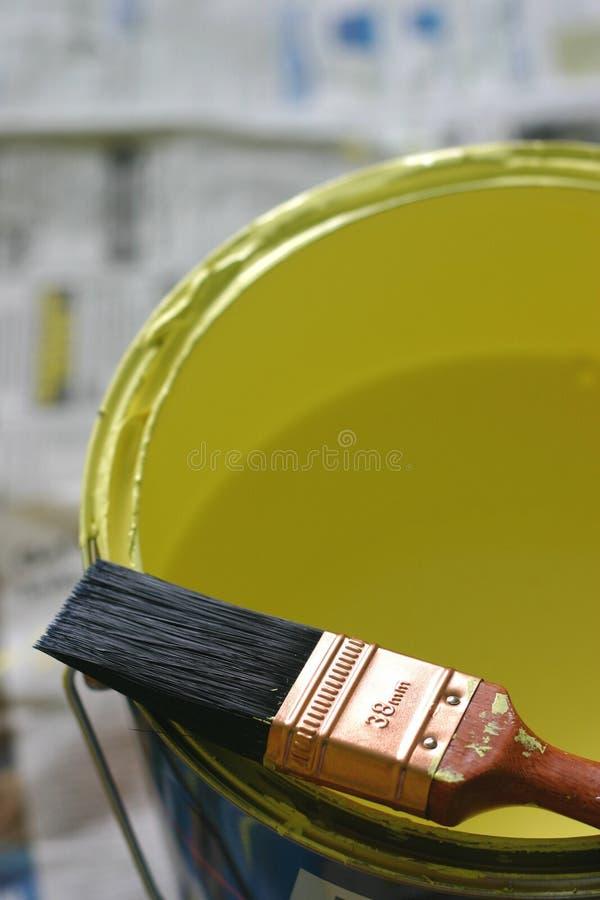 Pennello e vernice immagini stock libere da diritti