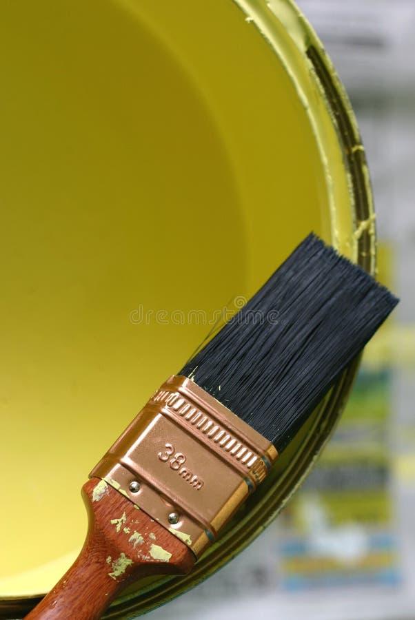 Pennello e vernice fotografia stock