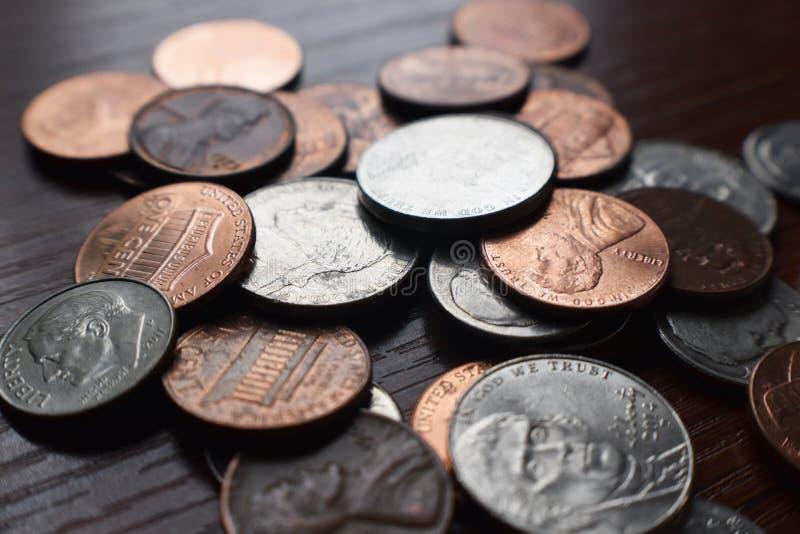 Pennies, Dimes e Níquel Fecham Alta Qualidade imagens de stock royalty free