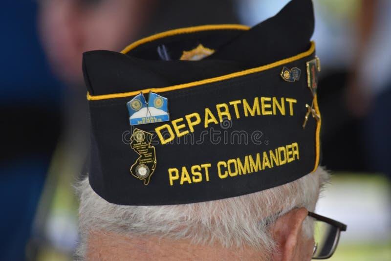 Pennsauken nya - ärmlös tröja - November 5, 2017: Denna förgångna befälhavare av den amerikanska legionen deltog i ceremonier för royaltyfria foton