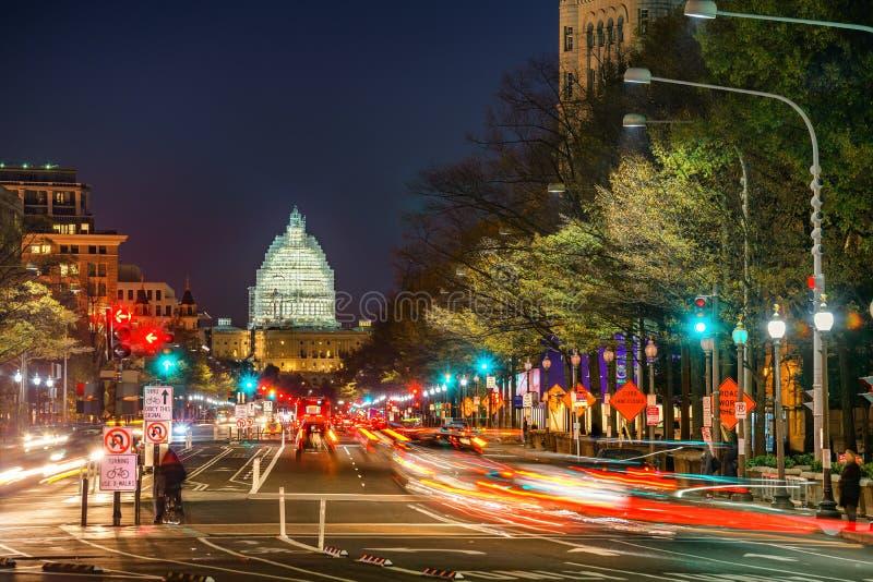 Pennsylvania aveny på natten, Washington DC, USA arkivfoton
