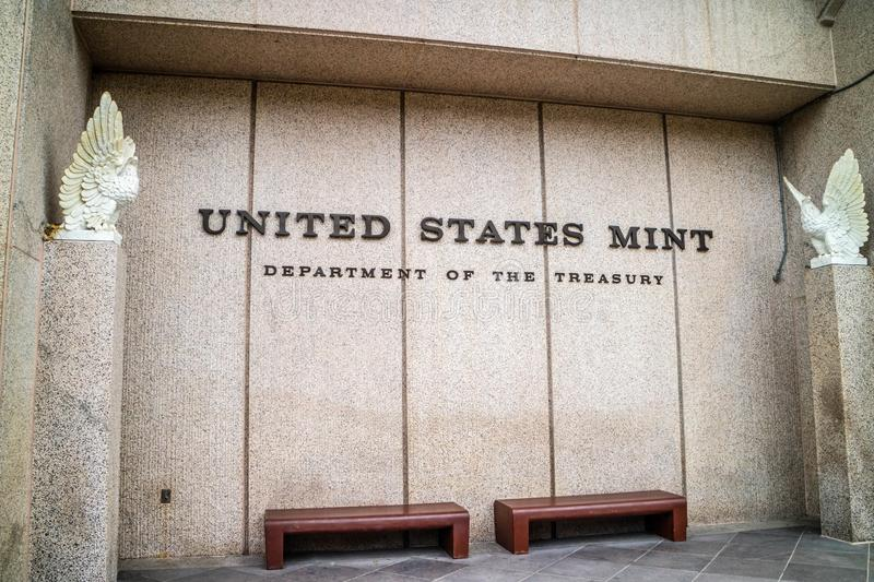 An entrance path going to the Department of Treasury building of Pennsylvania, Philadelphia. Pennsylvania, PA, USA - Sept 22, 2018: A welcoming sign at the entry stock photos