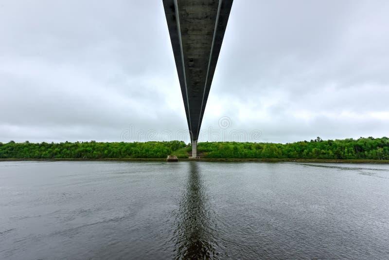 Penobscot restringe il ponte - Maine immagine stock