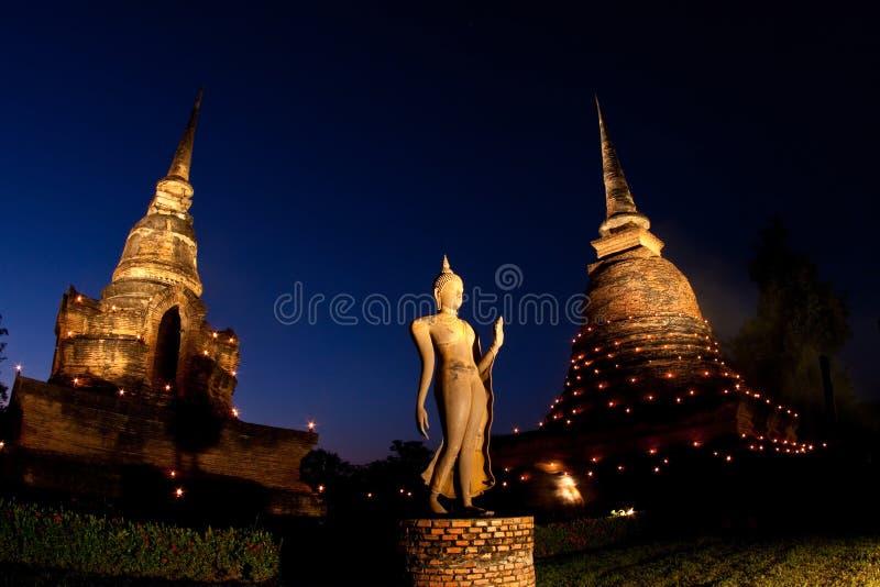 Penombra alla sosta storica di Sukhothai, Tailandia fotografia stock libera da diritti