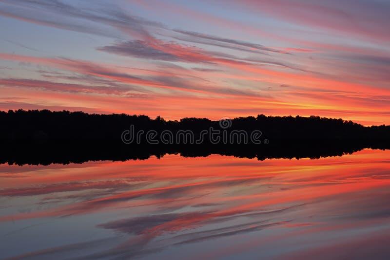 Penombra, lago ad ovest fotografie stock