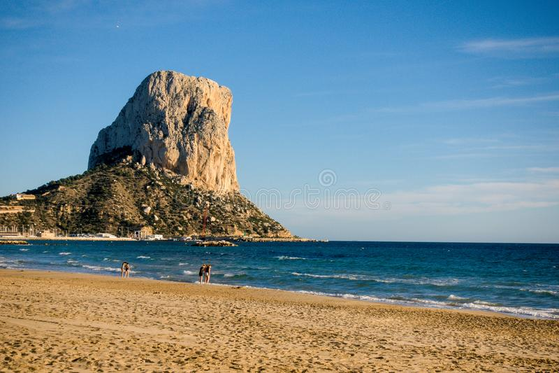 Penon De Ifach skała, symbol Costa Blanca w Calpe, Hiszpania fotografia royalty free