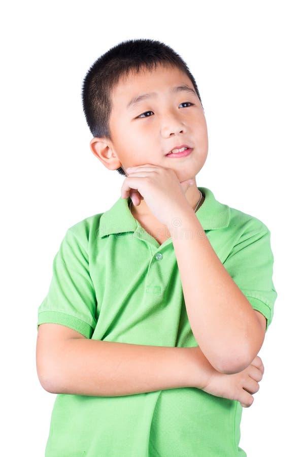Pensée asiatique de garçon d'isolement sur le fond blanc photo libre de droits