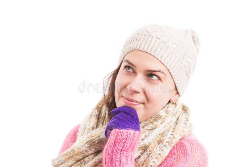 Pensée de port de vêtements tricotée par hiver de femme image stock