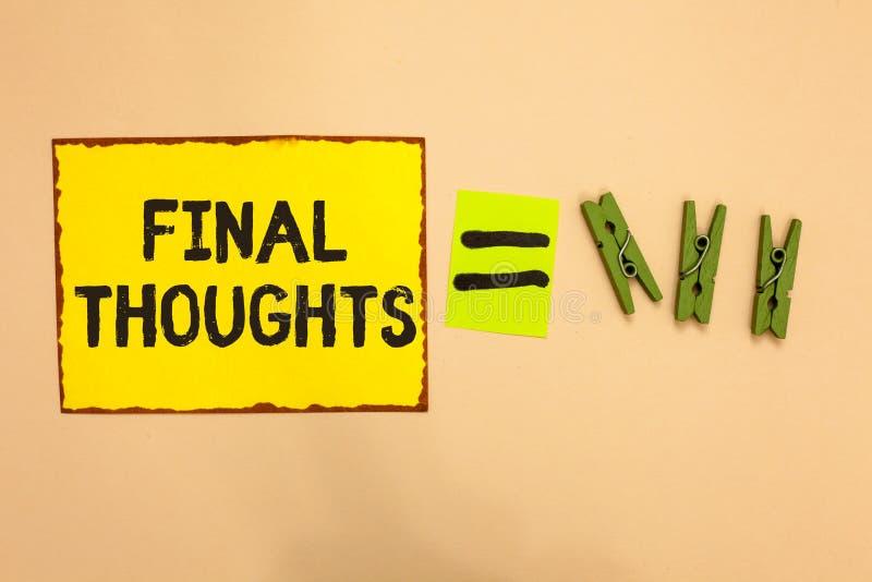 Pensées de finale des textes d'écriture de Word Concept d'affaires pour la finale de recommandations d'analyse de bout de conclus images stock