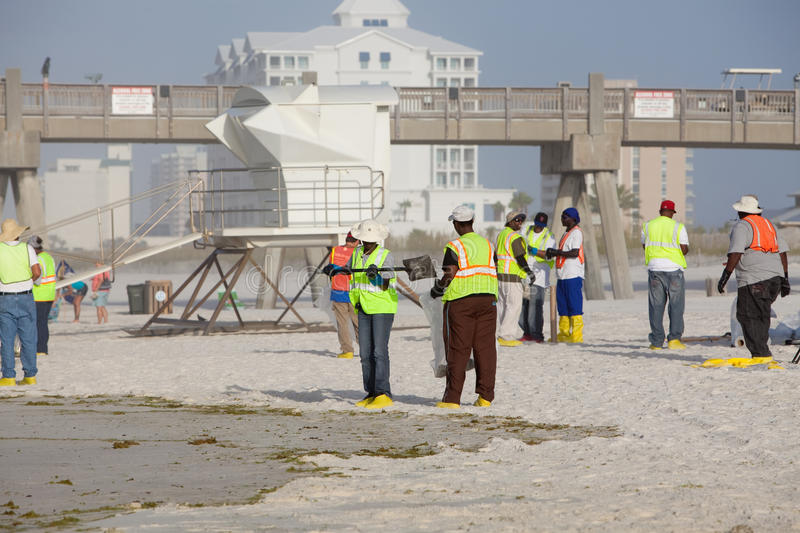Download PENSACOLA BEACH - JULY 7 editorial stock photo. Image of cleanup - 15175858