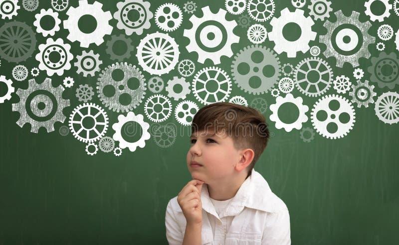 Pensamiento del niño del genio imagen de archivo libre de regalías