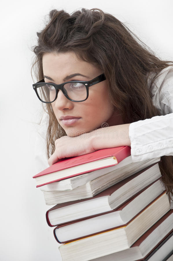 Penser de fille d'étudiant photos stock