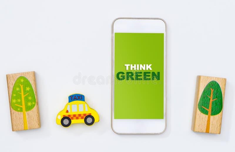 Pensi l'economia verde della parte del trasporto pubblico di uso per conservare l'ambiente immagine stock