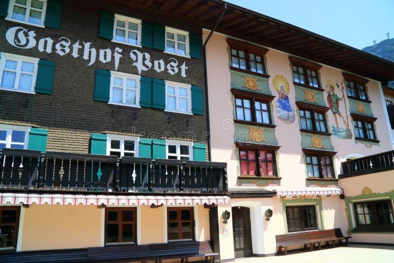 Pensioenen en hotels in mooi Oostenrijk royalty-vrije stock afbeeldingen
