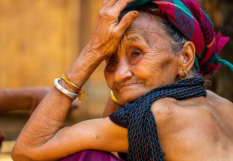 Pensionär Lao Village Woman arkivfoton