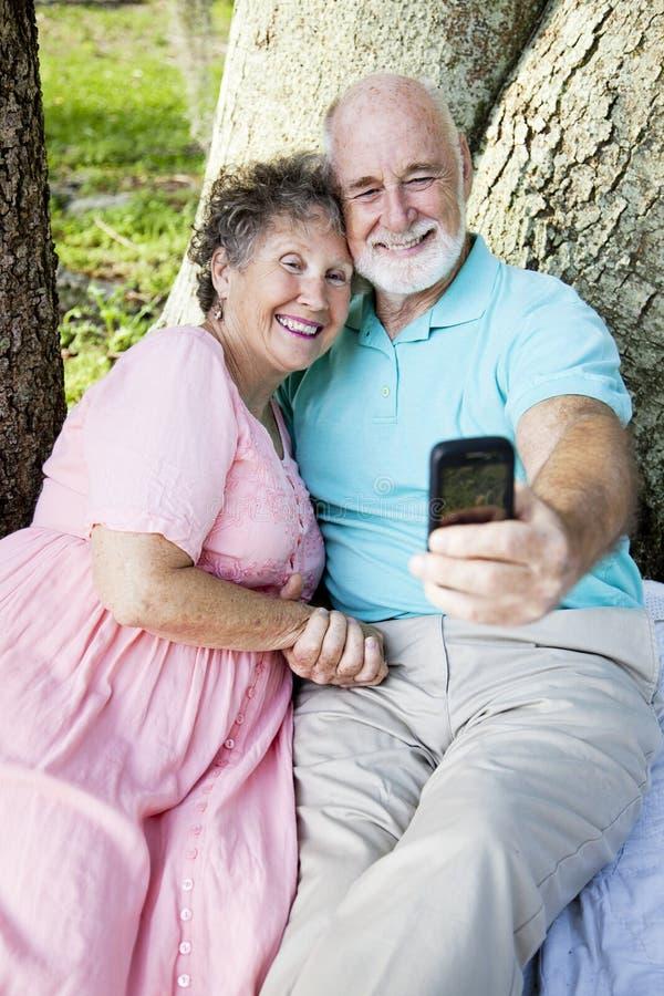 pensionärer för e-postståendesjälv royaltyfria foton