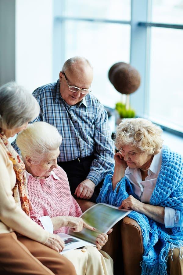 Pensionärer på fritid royaltyfria bilder
