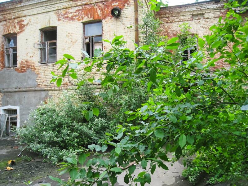 Pension abandonnée dans Khamovniki, un vieux bâtiment historique abandonné image stock