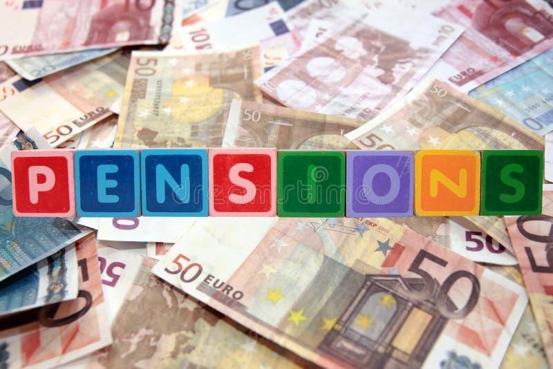 Pensiones en letras de molde con euros imagen de archivo libre de regalías