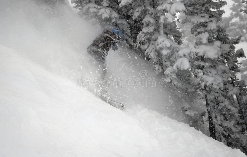 pensionista #5 da neve da mulher na ação imagem de stock