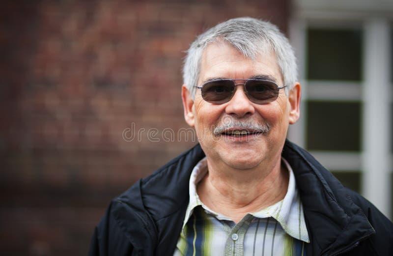 Pensionné heureux image libre de droits