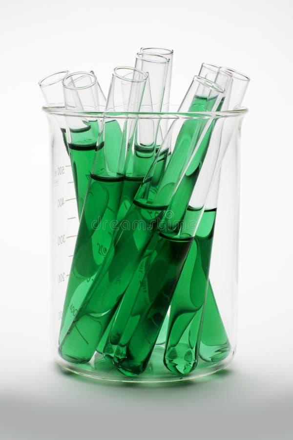 Pente de laboratoire d'extrait de chlorophylle images libres de droits