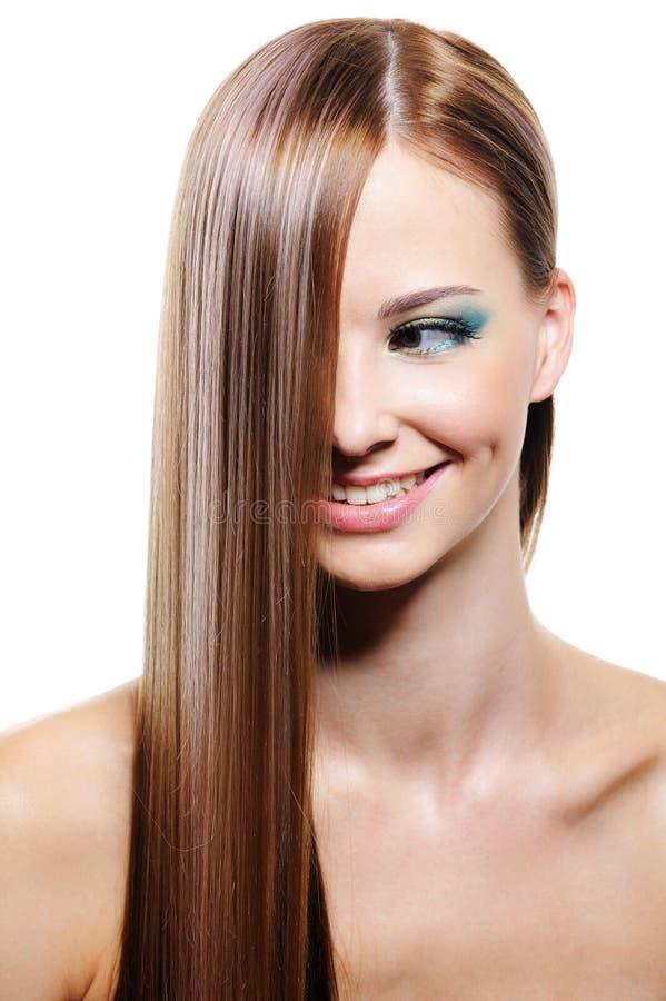 Penteado creativo com cabelo fêmea longo liso imagens de stock royalty free