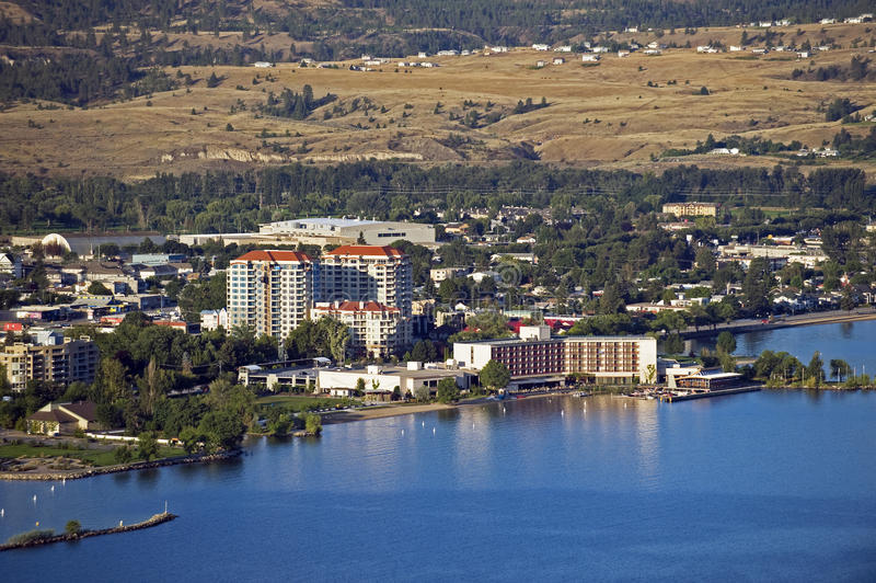 Pentincton pelo lago Okanagan imagem de stock royalty free