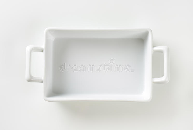 Pentola delle lasagne al forno della porcellana fotografia stock libera da diritti