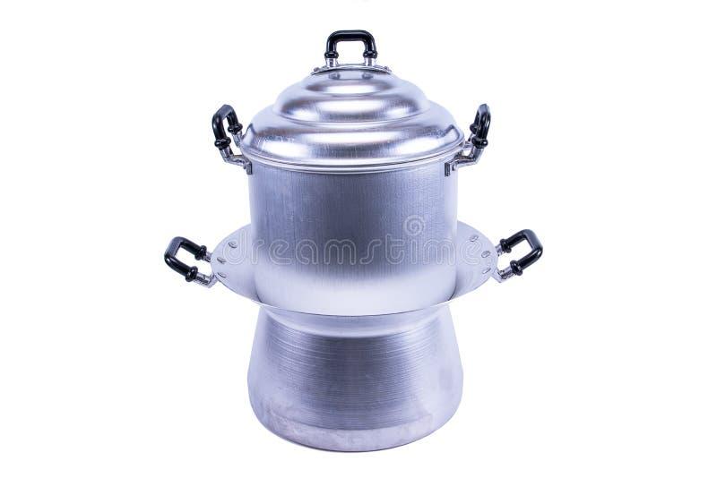 Pentola di alluminio del vapore isolata su fondo bianco immagine stock libera da diritti