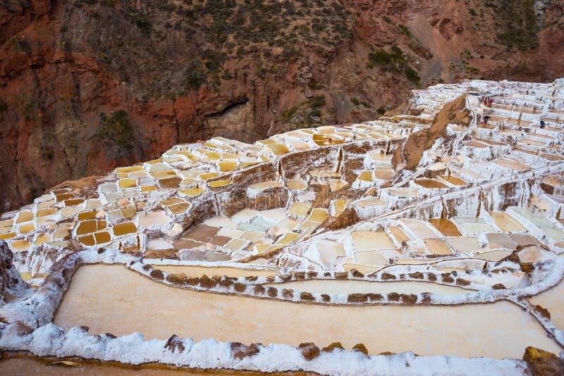 Pentole a terrazze del sale anche conosciute come il ` di Salineras de Maras del ` fotografia stock