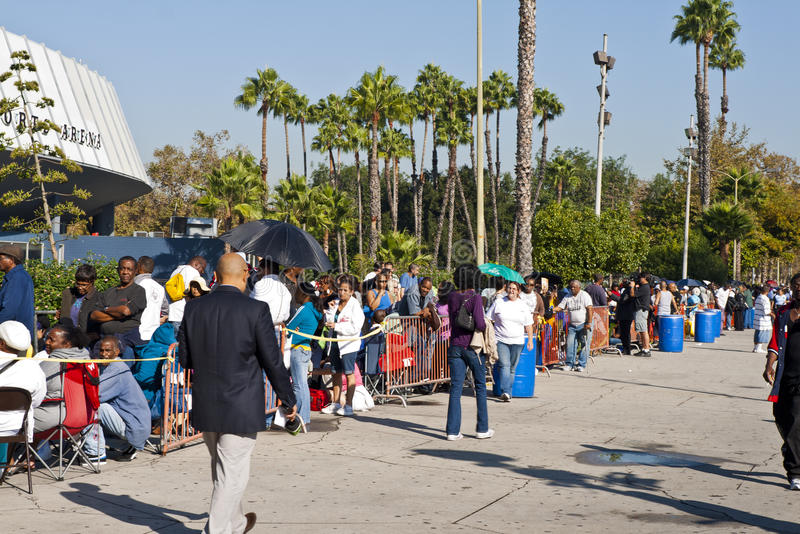 Download People Wait For Free Clinic In Los Angeles Editorial Stock Photo - Image: 21727118