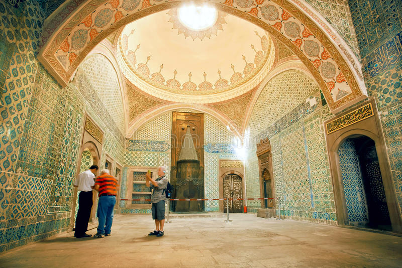 People watching fantastic interior of royal Topkapi palace with colorful tiles, Turkey stock photography