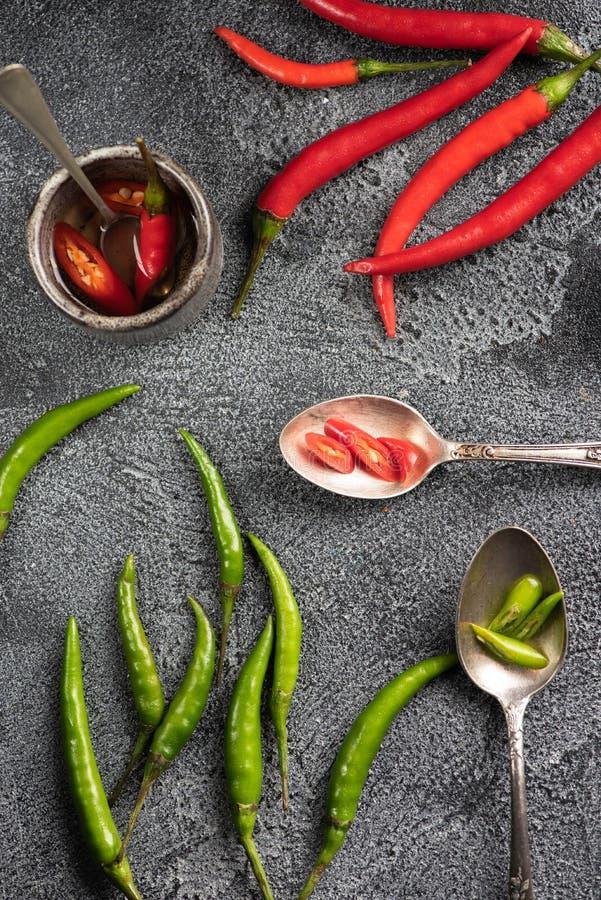 Peperoncino rosso e verde immagine stock