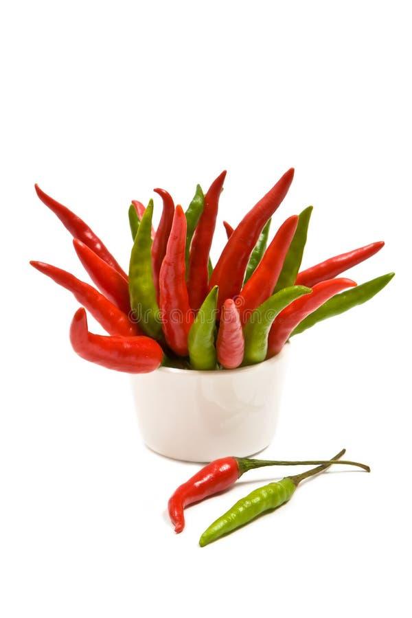 Peperoni di peperoncini rossi rossi e verdi immagini stock