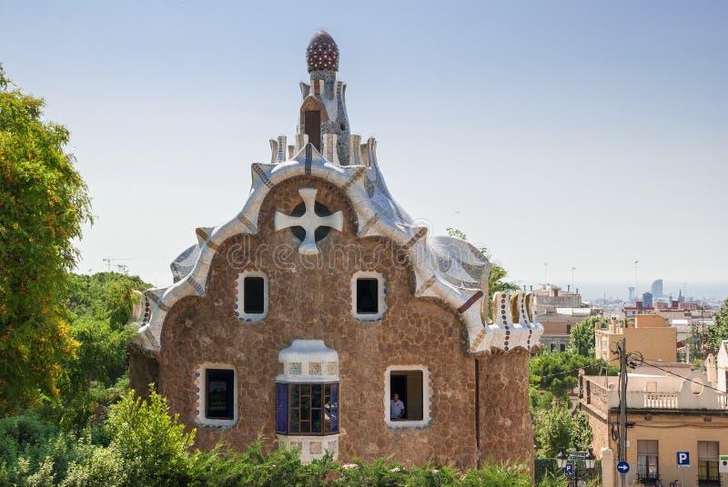 Pepparkakahuset av Gaudi parkerar in Guell Barcelona arkivfoto