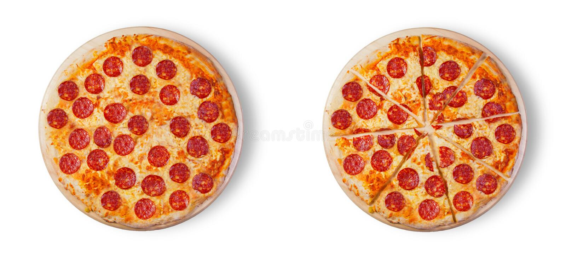 Pepperoni πιτσών στο άσπρο υπόβαθρο στοκ εικόνες